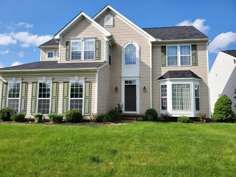 Vinyl siding cleaning in Canton Oh